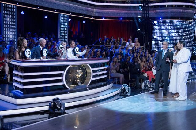 File:Normani and Val S24 Week 10 Finale Night 1 Freestyle 9.jpg