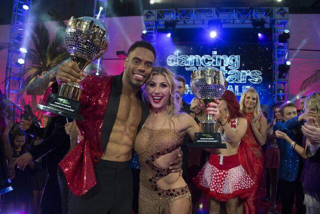 File:Rashad and Emma S24 Winners 9.jpg