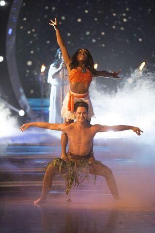 File:Simone and Sasha 24 Week 10 Finale Night 2 Contemporary Encore 6.jpg