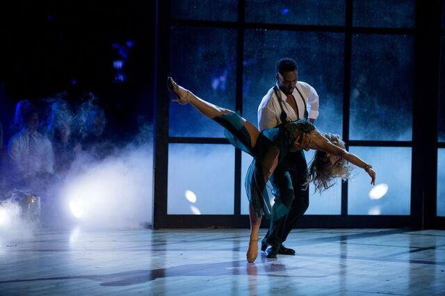 File:Rashad and Emma S24 Week 10 Finale Night 1 Viennese Waltz 4.jpg