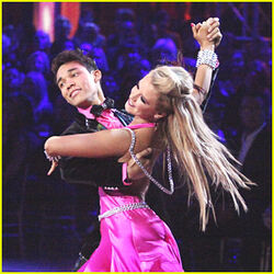 Roshon-fegan-chelsie-hightower-viennese-waltz