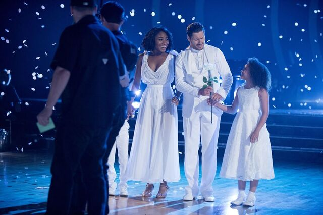 File:Normani and Val S24 Week 10 Finale Night 1 Freestyle 7.jpg