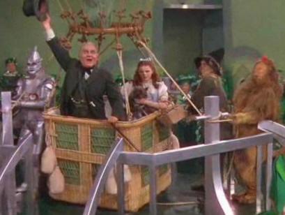 File:Wizard of Oz hot air balloon sendoff.jpg
