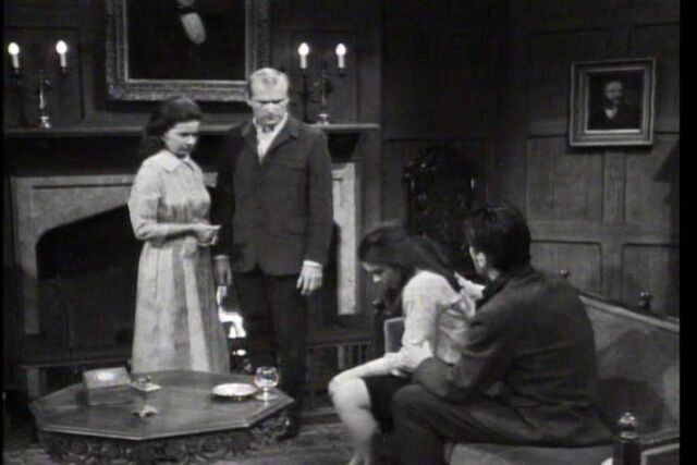 File:DarkShadows127.jpg
