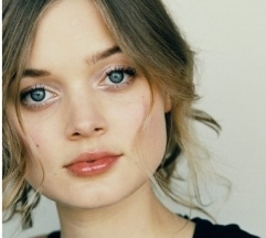 File:Bella Heathcote.jpg