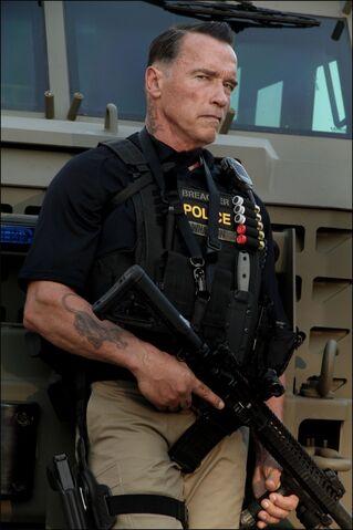 File:Arnie-in-TEN.jpg