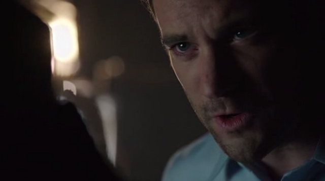 File:Oliver Queen hallucinating Tommy Merlyn.png