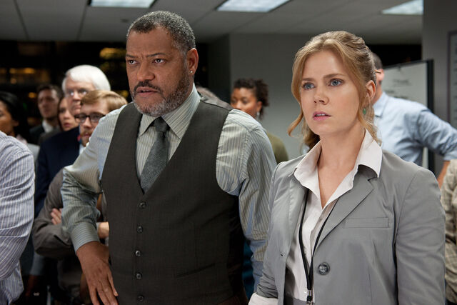 File:Perry White and Lois Lane watch Zod's message.jpg