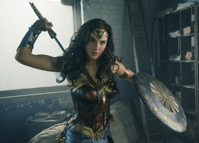File:Diana pulls out her sword.png