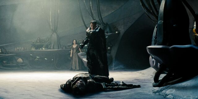 File:Zod standing over Jor-El.jpg