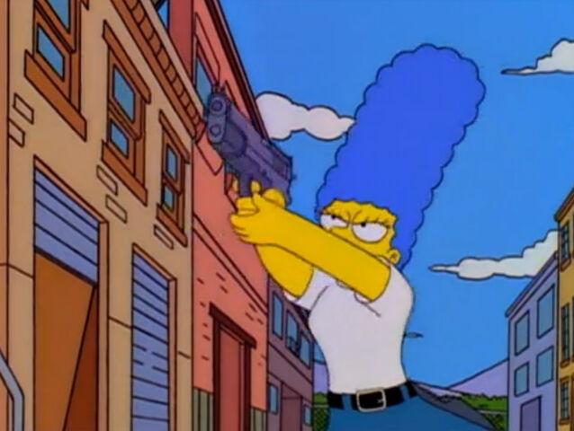 Datei:Marge als Polizistin.jpg