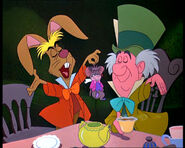 March-hare-mad-hatter-and-dormouse