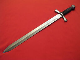 Small-Ridged-Broadsword-1-
