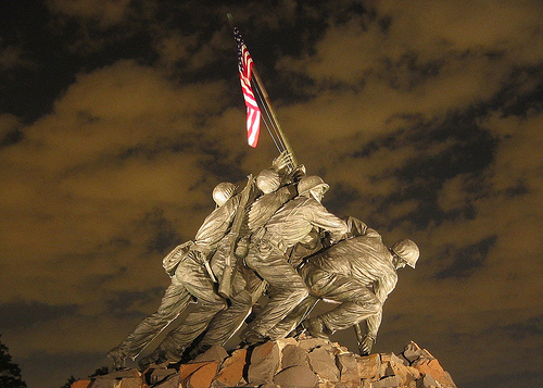 File:USMC Iwo Jima War Memorial at Night, World War II, Veteran Soldiers, American Flag.jpg