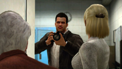 Dead rising case barnaby and jessie talk close door (5)