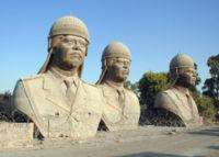 200px-SaddamHusseinBronzeskulpturen