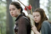 Lucy-and-Susan-lucy-pevensie-12844676-500-333