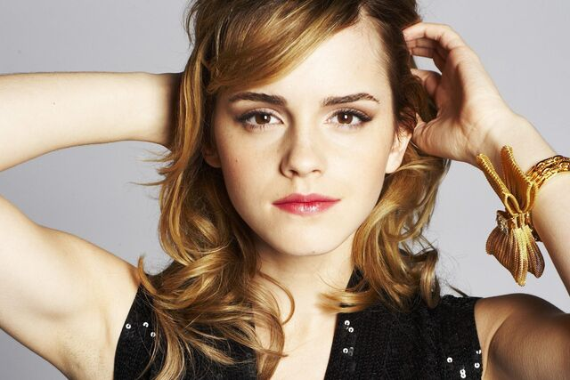 File:Emma-Watson-emma-watson-13071732-2494-1663.jpg