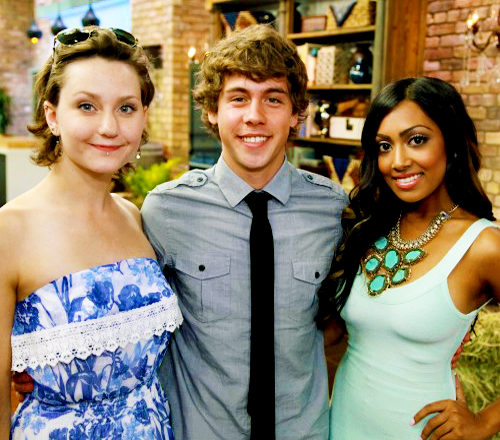 File:Degrassi cast photo spam - 3.png