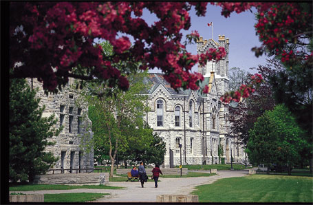 File:Queens-university-kingston.jpg