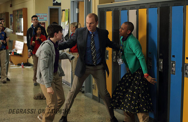 File:Degrassi-episode-1107-05.jpg