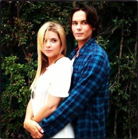 File:Haleb hold.png