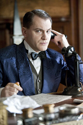 File:Arnold-Rothstein-boardwalk-empire-16730342-330-495.jpg