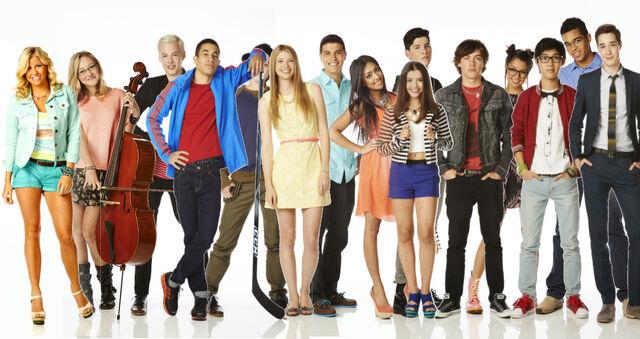File:Degrassi Season 13 Group Picture.jpg