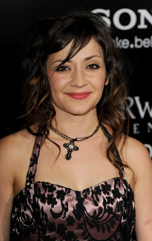 File:Lacey Sturm Premiere Screen Gems Underworld D8vMn4-csMdl.jpg
