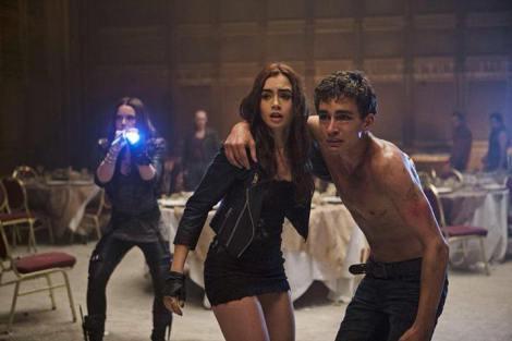 File:Hotel Dumort Vampire Scene.jpg