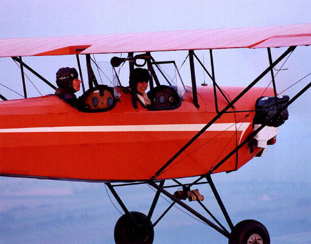 File:Ms. Avery Flies Caitlin.jpg