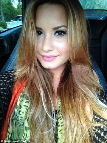 File:Demi-lovato-blonde.jpg