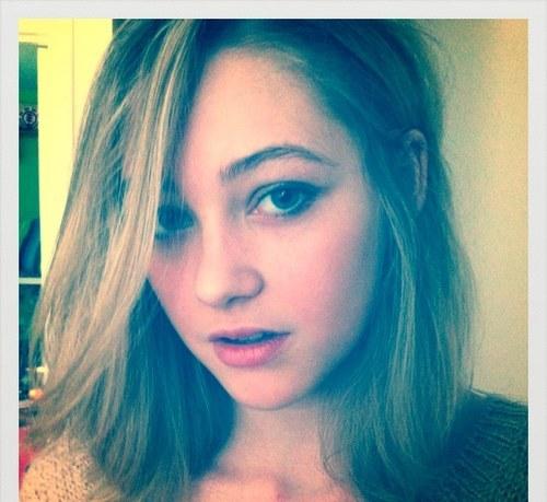 File:Olivia scriven twitter StAZrhw.sized.jpg