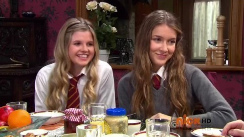 File:Nina-and-amber-nina-and-amber-from-house-of-anubis-20962526-499-281.jpg