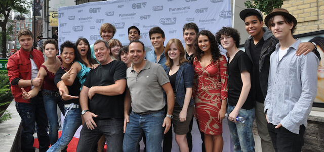 File:Degrassi20Cast.jpg