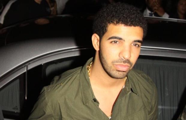 File:Drake-leaving-hotel-SPL.jpg