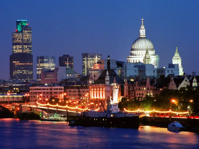 File:World England London skyline 007559 .jpg