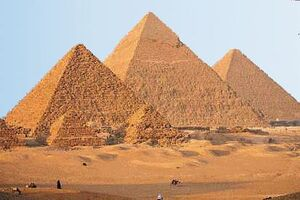 Ancient-egyptian-pyramids-pictures-3