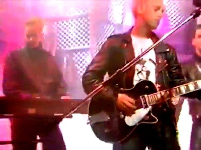 Depeche Mode - Behind The Wheel (Top Of The Pops BBC 07.01