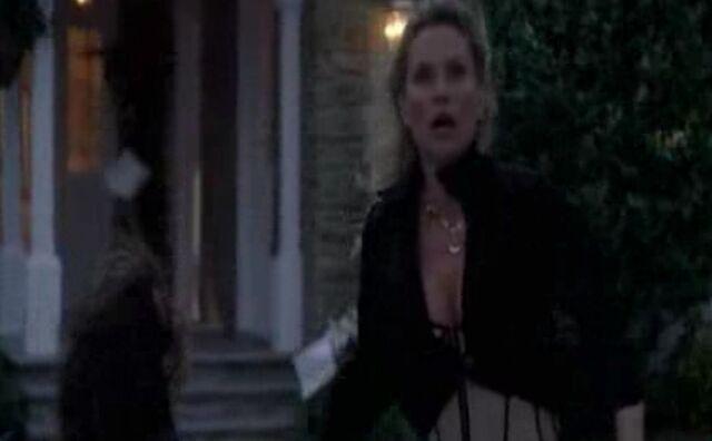 File:4x09 - Edie sees the tornado.jpg