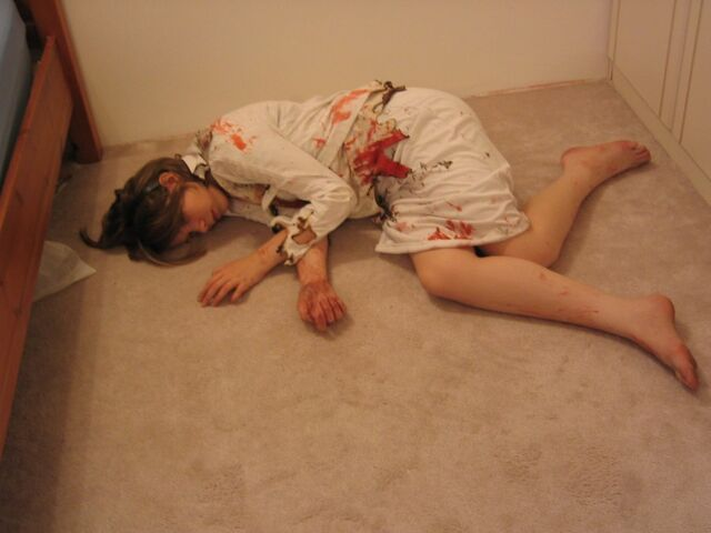 File:Dead Girl Lying Down by omfg stock.jpg