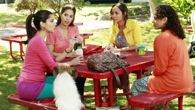 File:Devious Maids 1x01.png