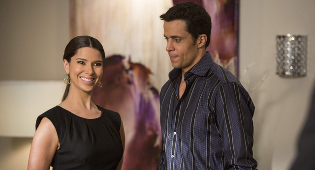 File:Devious Maids 1x11.png
