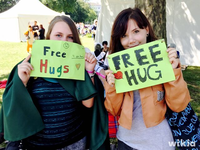 Datei:Free Hugs.JPG