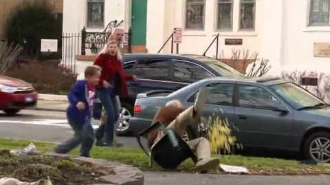 Jackass Bad Grandpa - Trailer