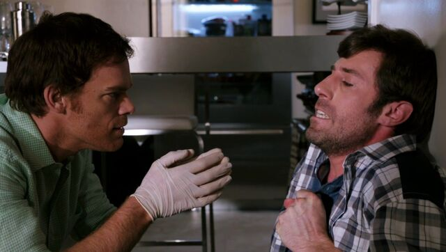 File:Dexter-Louis-Season-7-Episode-2.jpg