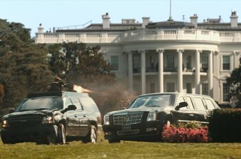 The-beast-presidential-limo-from-white-house-down 100431621 l