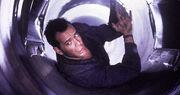 Die hard 2 McClane in air vent