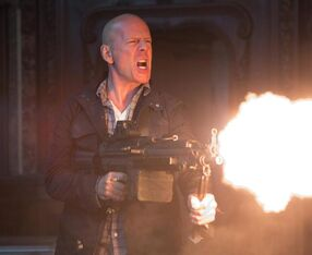 Bruce willis A GOOD DAY TO DIE HARD