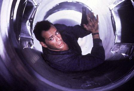 File:DH2 - John McClane in the Vents.jpg